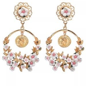 Jewelry - Coming Soon !!! Gorgeous Fashion Earrings